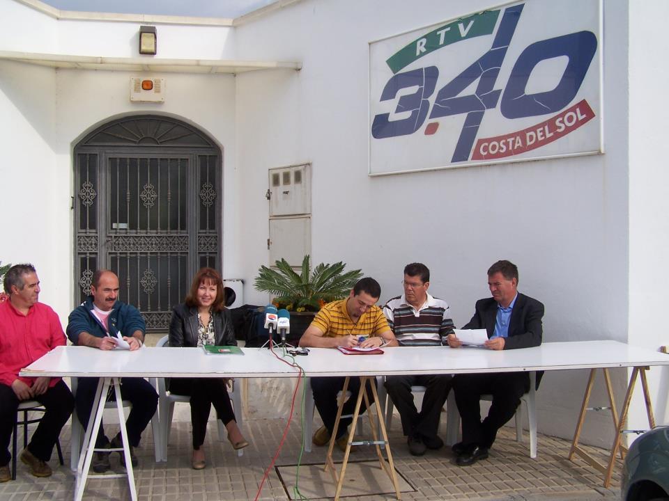 Foto acuerdo multipartito Mijas Comunicacion 16-4-2007