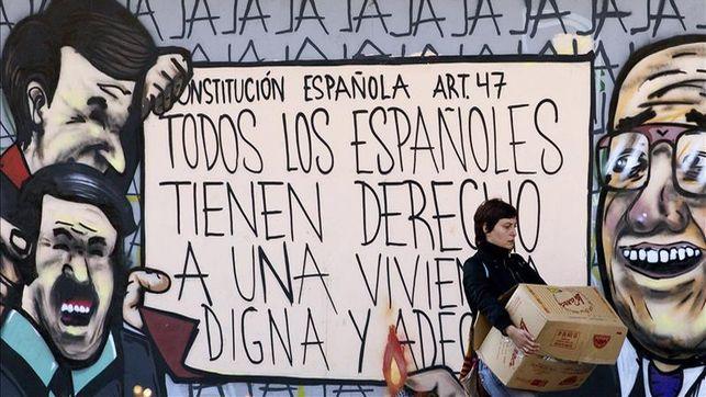 Policia-desaloja-Corrala-Utopia-Sevilla_EDIIMA20140406_0210_4